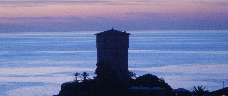 Noleggio Trimarano Isola del Giglio - Vela Giglio Campese - Isola del Giglio - Trimarano Giglio Porto - Torre Saracena Campese
